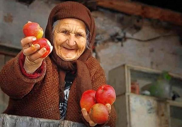 Щедрая бабушка